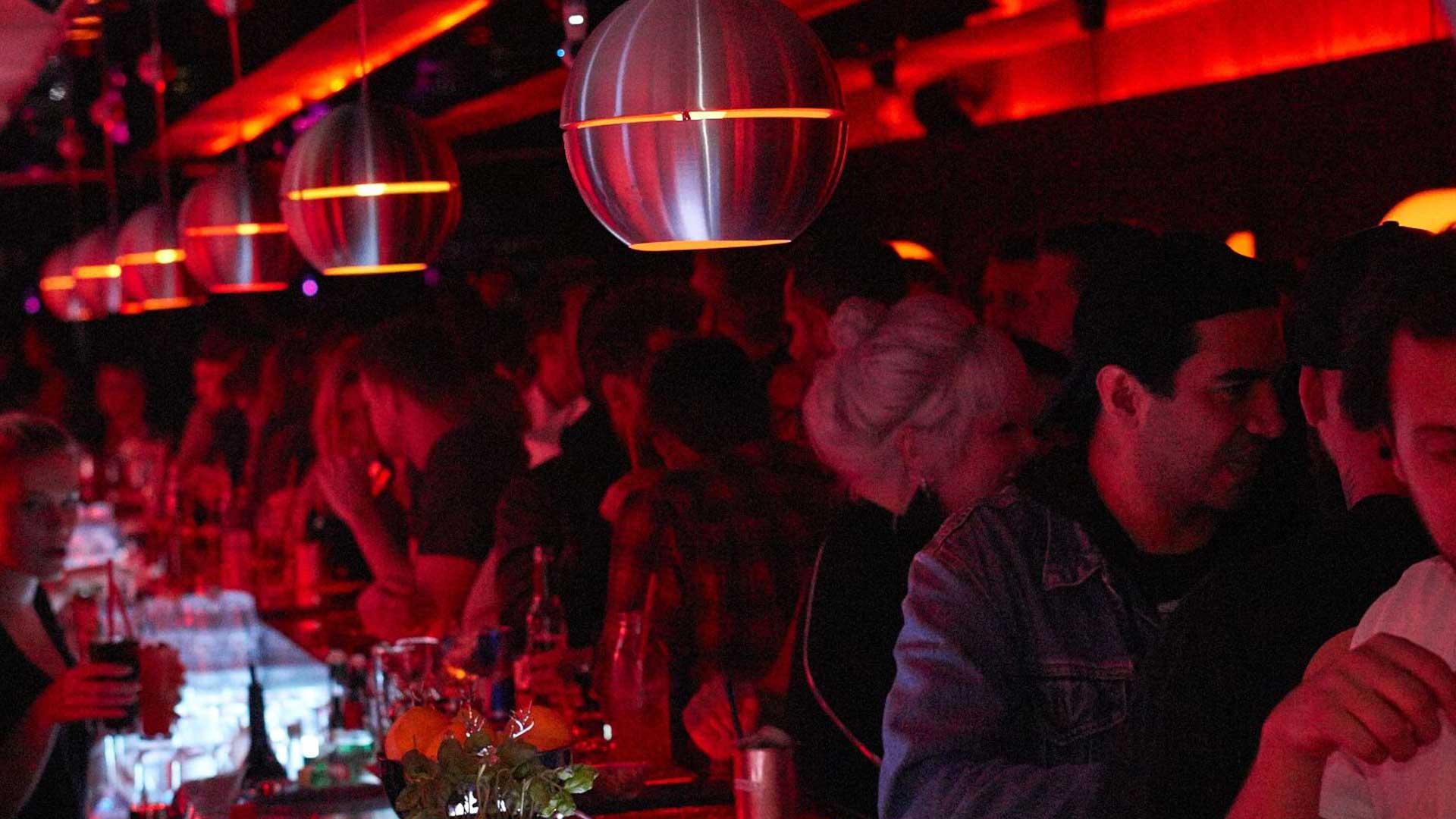 Bar Plastique - Bar