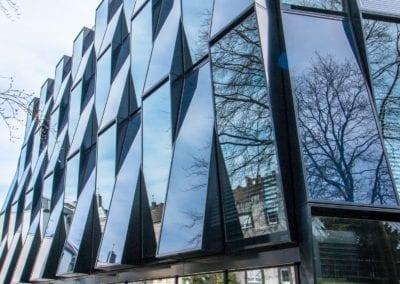 Blauhaus NEW AG: Auf dem Campusgelände der Hochschule Niederrhein ist das 4.000 Quadratmeter großes modernes Energieeffizienz-Zentrum.