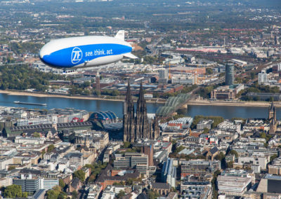 Zeppelin und Kölner Dom