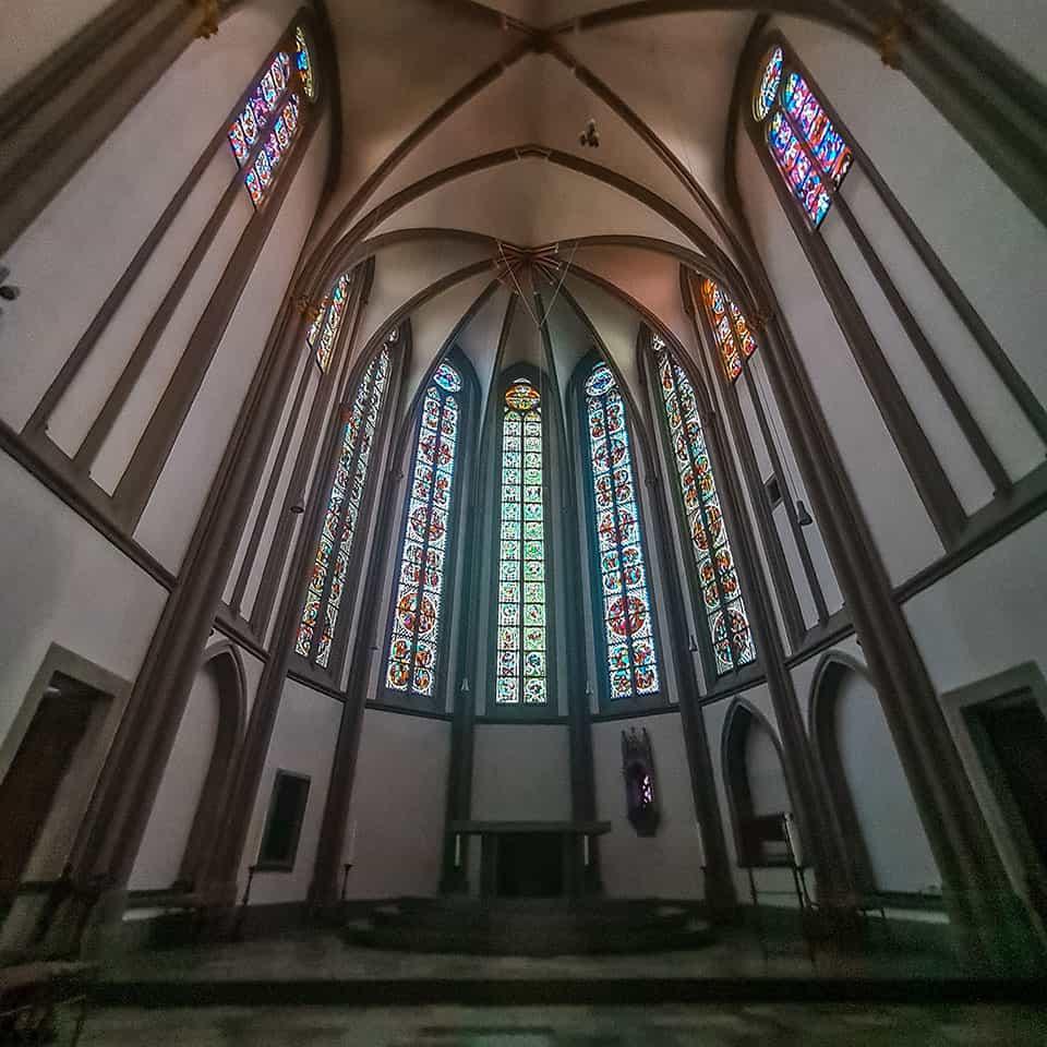 Bibelfenster im Münster St. Vitus